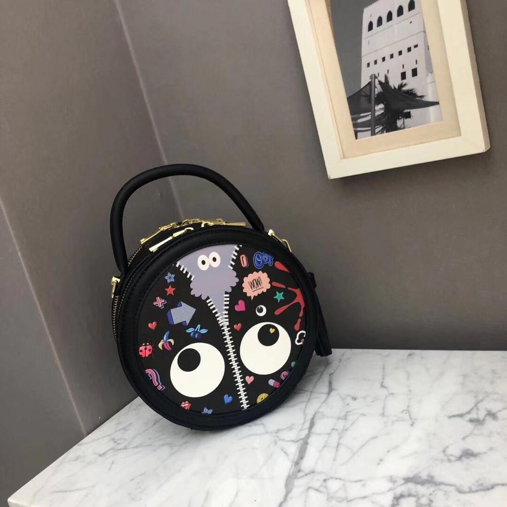 Rivet Small Round Bag Lady 2019 New Fashion Handheld Korean Version Bag Baitao One Shoulder Bblique Bag