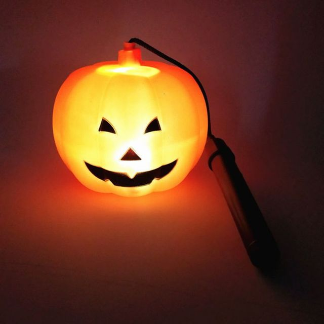 Lampa halloweenowa świecące zabawki przenośna lampa w kształcie dyni Party rekwizyty do dekoracji urocza na zewnątrz wystrój wnętrz latarnia papierowa