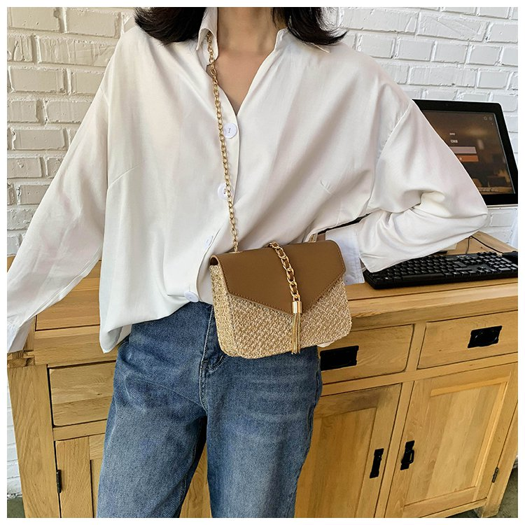 Beautiful Straw Crossbody Bag for Women 2021 with Chain Strap
