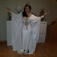 White Muslim Prom Dress Dubai Abaya Party Gown 2020 Moroccan Kaftan Arabic Evening Dress V Neck Beaded Chiffon Long Sleeve
