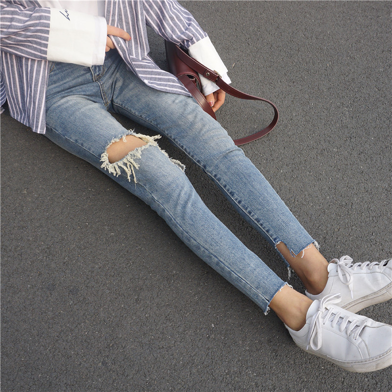 Spring New Style Tear Knee Large With Holes Jeans WOMEN'S Dress Gap Skinny Pants Versatile Capri Pants Students Pants