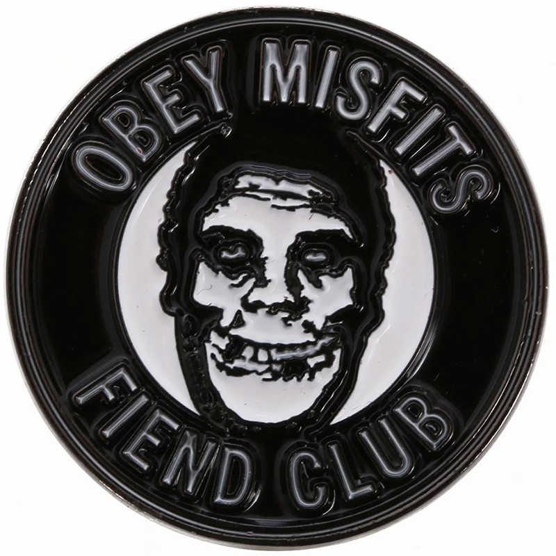 לציית x Misfits שטן סיכת מועדון שחור עגול תג