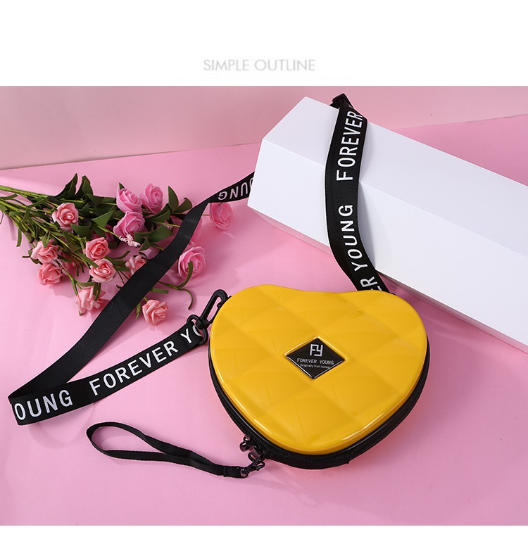 H4d9230d357ef409fa1dd6ac8858fcfabs - Fashion Luxury HandBags Heart Shaped PVC Mini Shoulder Bag for Woman Fashion Designer Personality Small Box Women Purses