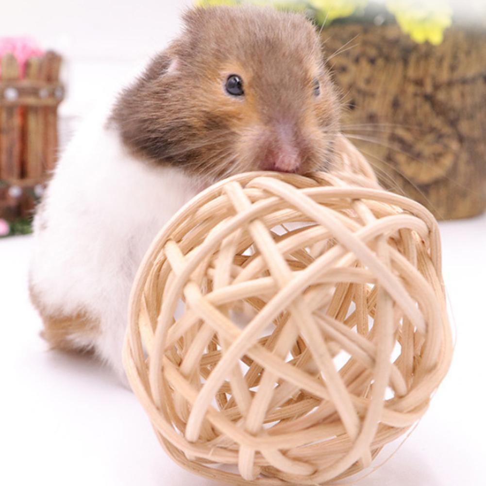 Rabbit Small Pet Hamster Chewing Toy Small Pet Cleaning Teeth Natural Wooden Ball Small Pet Molars Entertainment Toy Rattan Ball
