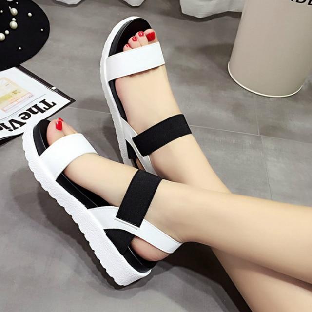 صنادل الصيف النساء حذاء مسطح زقزقة اصبع القدم sandalias صندل بتصميم روماني امرأة حذاء كاجوال شبشب زحاف للسيدات الأحذية 810 واط 1