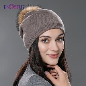 Image 1 - Kadın kış şapka yün örme kasketleri kap gerçek doğal tilki kürk ponpon şapkalar katı renkler gorros kap kadın rahat şapka