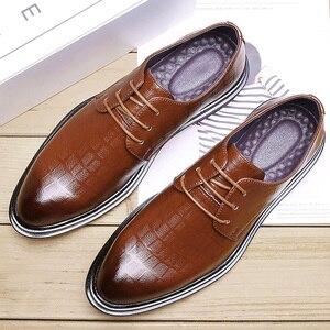 Image 4 - 2020 בעבודת יד גברים רשמי נעלי גברים עור לנשימה עסקי מבטא שמלת המפלגה משרד חום אוקספורד נעליים
