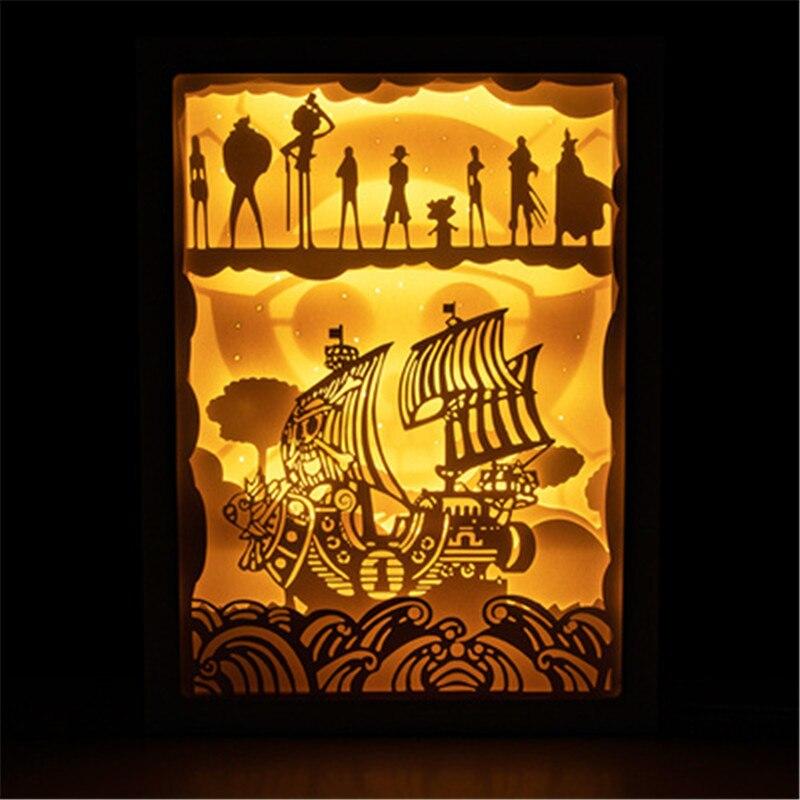 Dessin animé une pièce 3D lumière stéréoscopique et ombre papier sculpture lampe acrylique Action Figure télécommande applique murale X2740