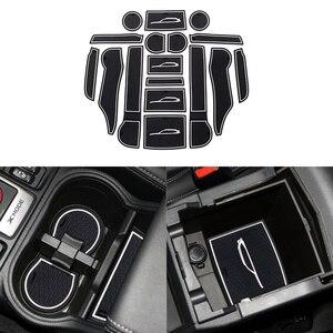 Image 3 - Przednie tylne drzwi gniazdo Pad Mat uchwyty do kubka maty schowek w podłokietniku pudełko na waciki do Subaru Forester 2019 2020 akcesoria do wnętrza samochodu