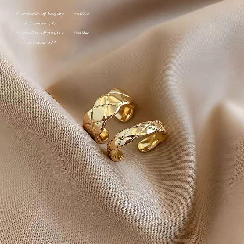 Классический из ромбов, комплекты золотых вставок кольца для женщин 2021 Новое корейское модное ювелирное изделие для студенток, вечерние по...