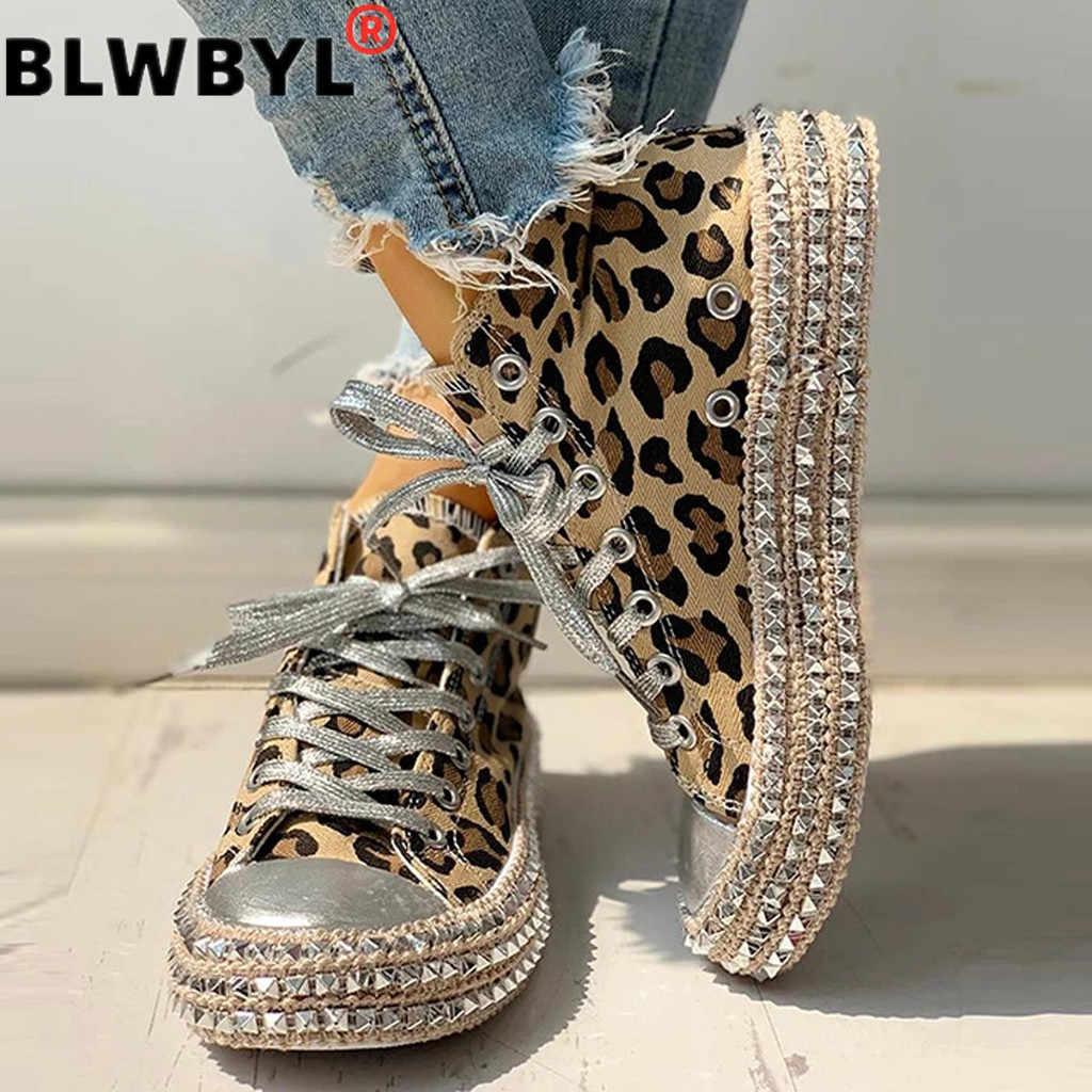 Seksi leopar yüksek üst Sneakers kadın moda sınırlı perçin Flats kanvas ayakkabılar kadın sonbahar platformu bayanlar rahat ayakkabılar # D6