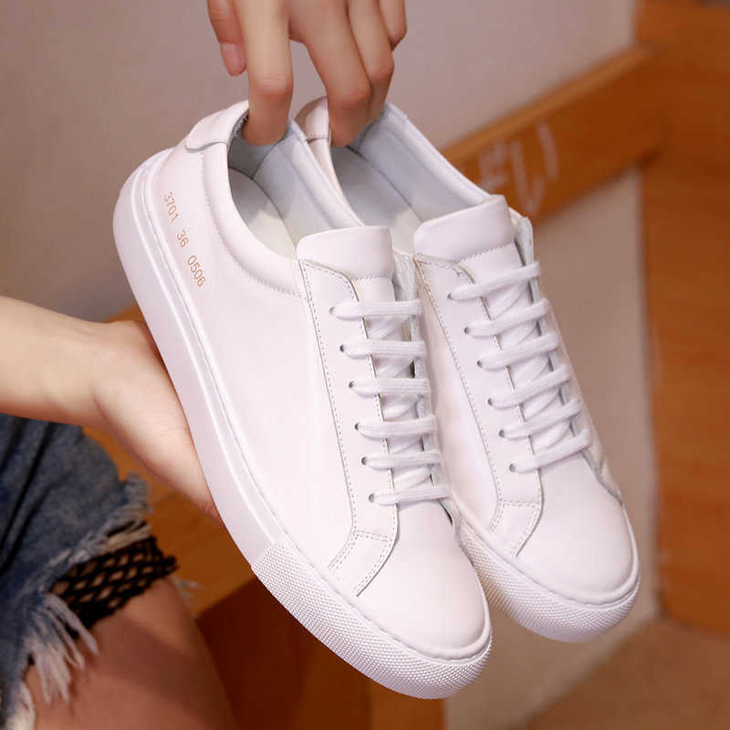 Zapatillas deportivas informales de piel de vaca con capa frontal para mujer, zapatos deportivos a la moda, zapatos planos vulcanizados para mujer, zapatos bajos con cordones blancos para mujer 41