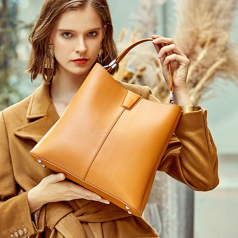 Genuine Leather Bag Large Capacity Leather Bags Laptop Bags For Women High Quality Real Leather Bag New Briefcase Computer Bag