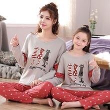 Пижамы для мамы и маленькой девочки семейная Рождественская