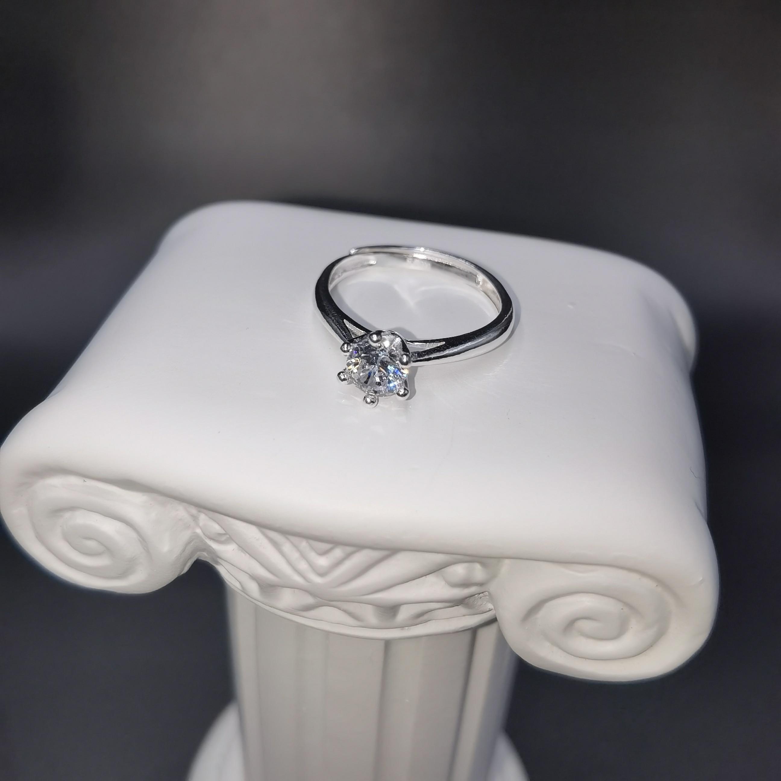 Classic Imitation Diamond Wedding Ring Sterling Silver 1 Carat Zircon Couples Propose Glamorous Female Jewelry Gift Adjustable