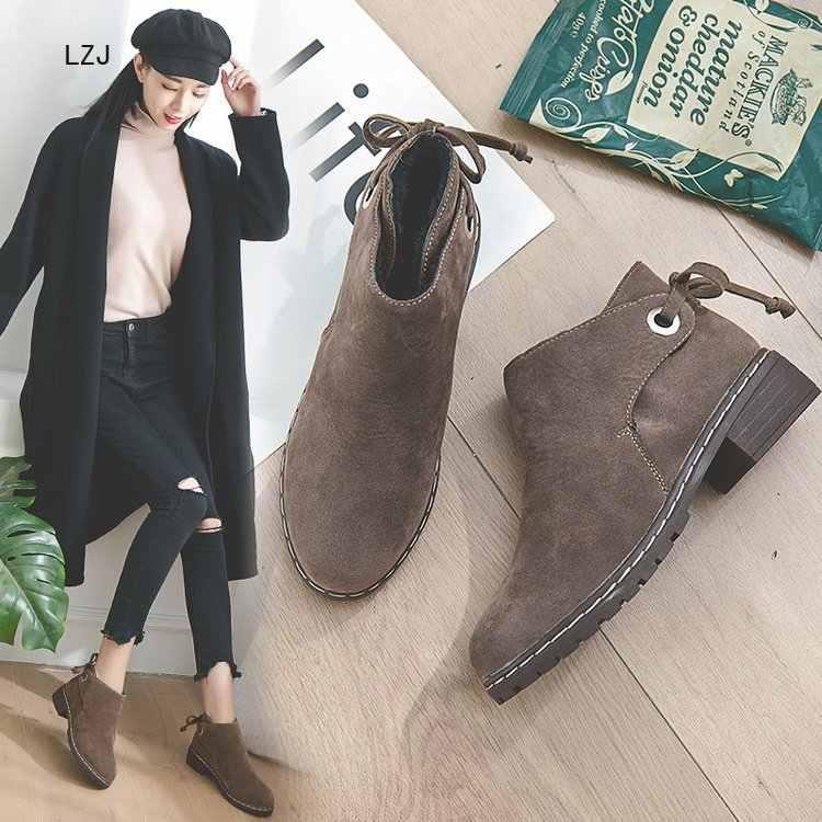LZJ 2019 Kış Çizmeler Kadın yarım çizmeler Moda Yuvarlak Ayak dantel-up Bayanlar düz çizmeler Süet Deri Moda Vahşi Martin Çizmeler