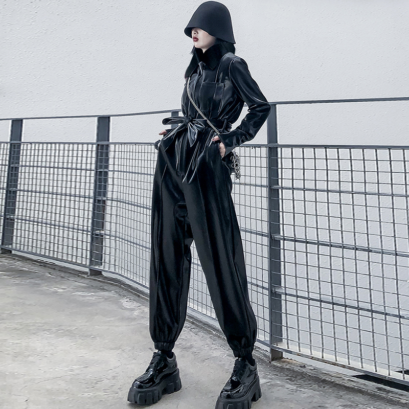 Lautaro Patent Leather Jumpsuits Women Turndown Collar Sashes Long Sleeve Plus Size Pu Leather Joggers Women Reflective Jumpsuit