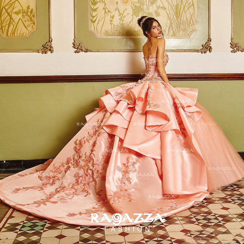 Classy Beaded Ball Gown Quinceanera Dresses Sweetheart Neck Appliqued Sweet 16 Dress Satin Sweep Train Sequined Masquerade Gowns