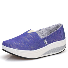 2021 Female Platform Height Increasing Breathable Sports Sneakers Women Toning Shoes Wedge Slimming Fitness Swing Shoes