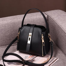Brand Women Fashion Shoulder Bags Small Messenger Crossbody Bags Genuine Leather Crossbody Flap Bag Ladies Bags For Girls C1168(China)