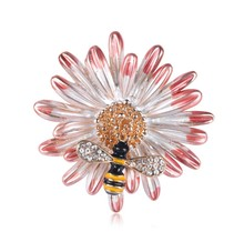 Enamel Flower Bee Brooch Chrysanthemum Sunflower Yellow Bee Brooch Pins Fashion Banquet  Jewelry Gifts все цены