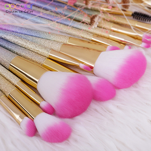 Image 4 - Docolor 18PCS Fantasy Brushes Collection Beauty Make Up Brushes Top Synthetic Hair Rainbow Hand Best Gift For Women
