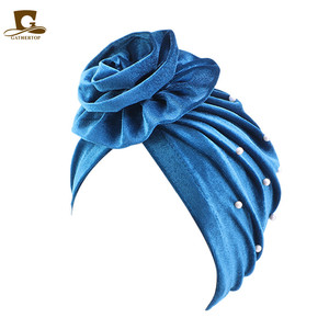 Image 4 - אופנה חדשה פופולרי חרוזים פרח פרח טורבן נשים מצנפת שיער אובדן כובע מוסלמי Turbante מסיבת חיג אב בארה ב אביזרי שיער