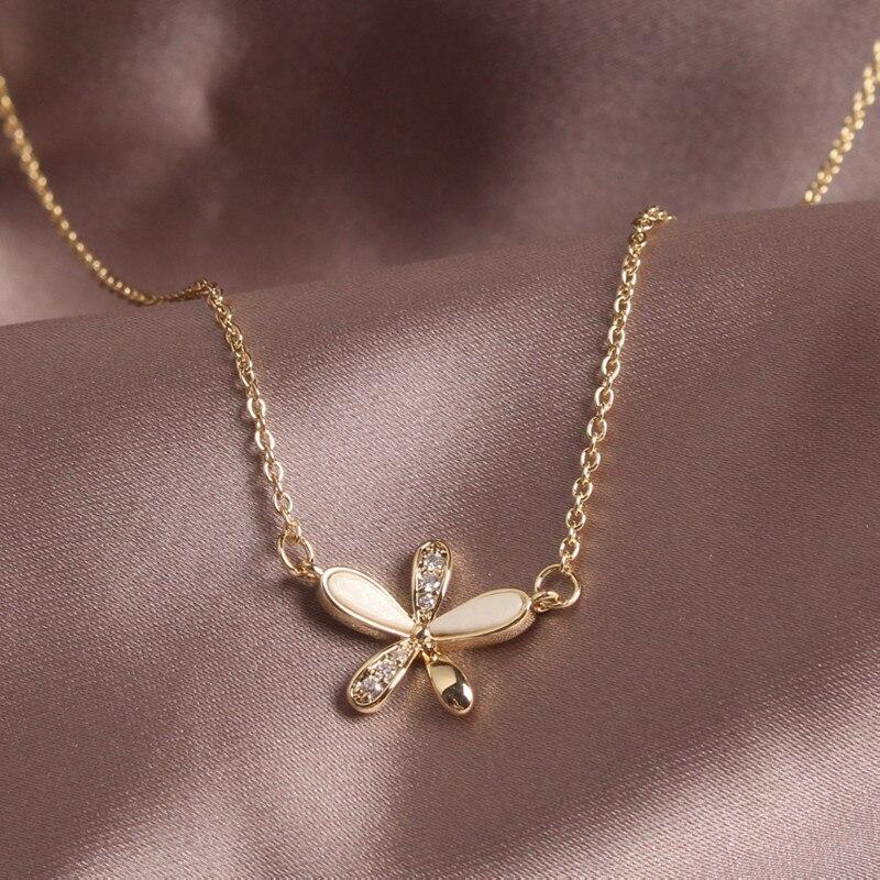 2020 Korea New Design Fashion Jewelry Sweet Daisy Flower Pendant Necklace Micro Inlay Zircon Acrylic Female Clavicle Necklace