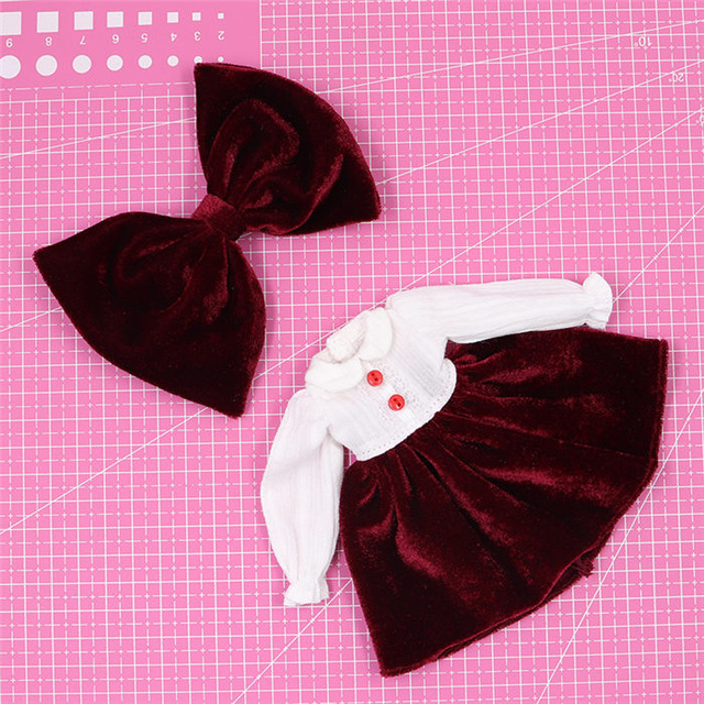Neo Blythe Doll Maroon White Frock 1