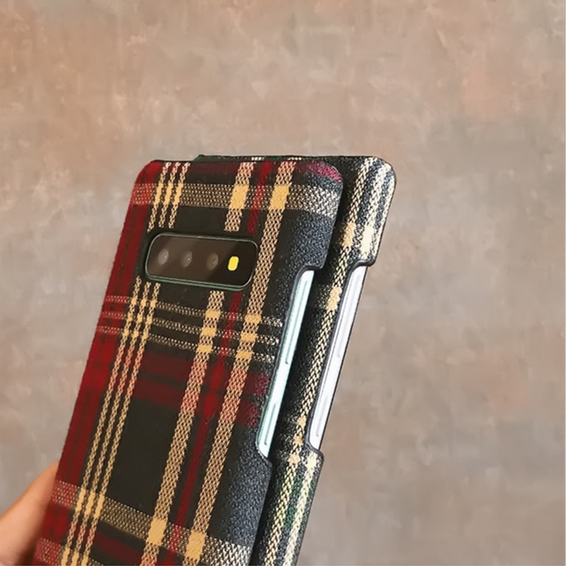 H4e48e3adc6bf4f999290043678cdca8bH YHBBCASES Retro England Tweed Plaid Fabric Hard Cases For Samsung Note 10 Plus Note 8 9 Grid Cloth Texture Phone Cover For Samsung Galaxy S10 S8 S9 Plus Winter Warm Checkered Couples Phone Case
