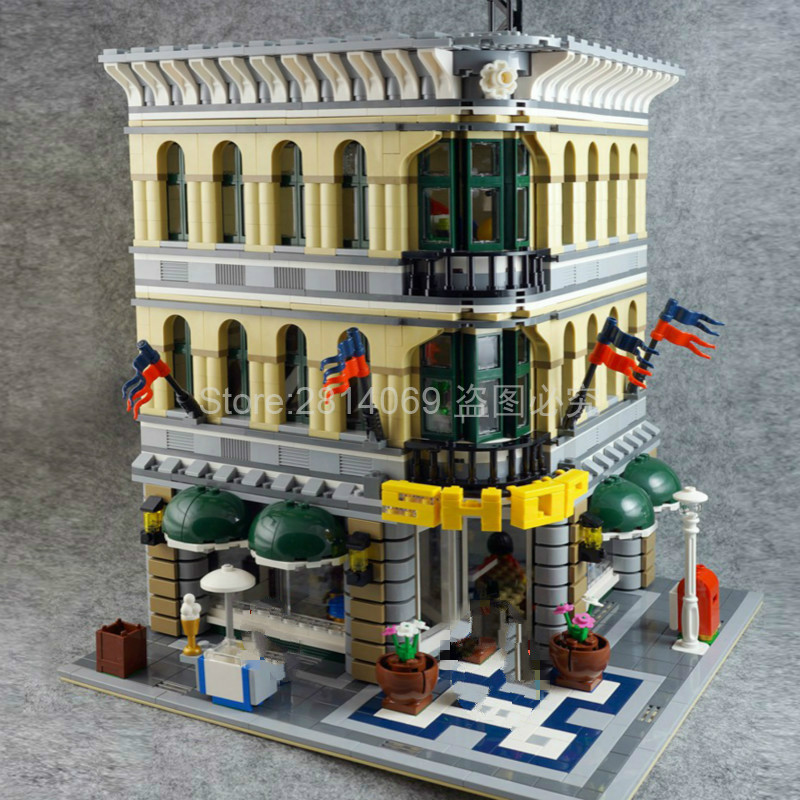 15005 2232Pcs City Series Grand Emporium Model Building Brick Children's Toys Gifts Compatible With 10211