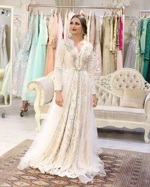 Фото марокканское длинное вечернее платье с вышивкой и бисером