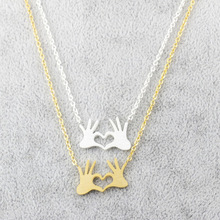 Fashionable Simple Metal Love Pendant Necklace Jewelry Pendant Necklace for Women Gift