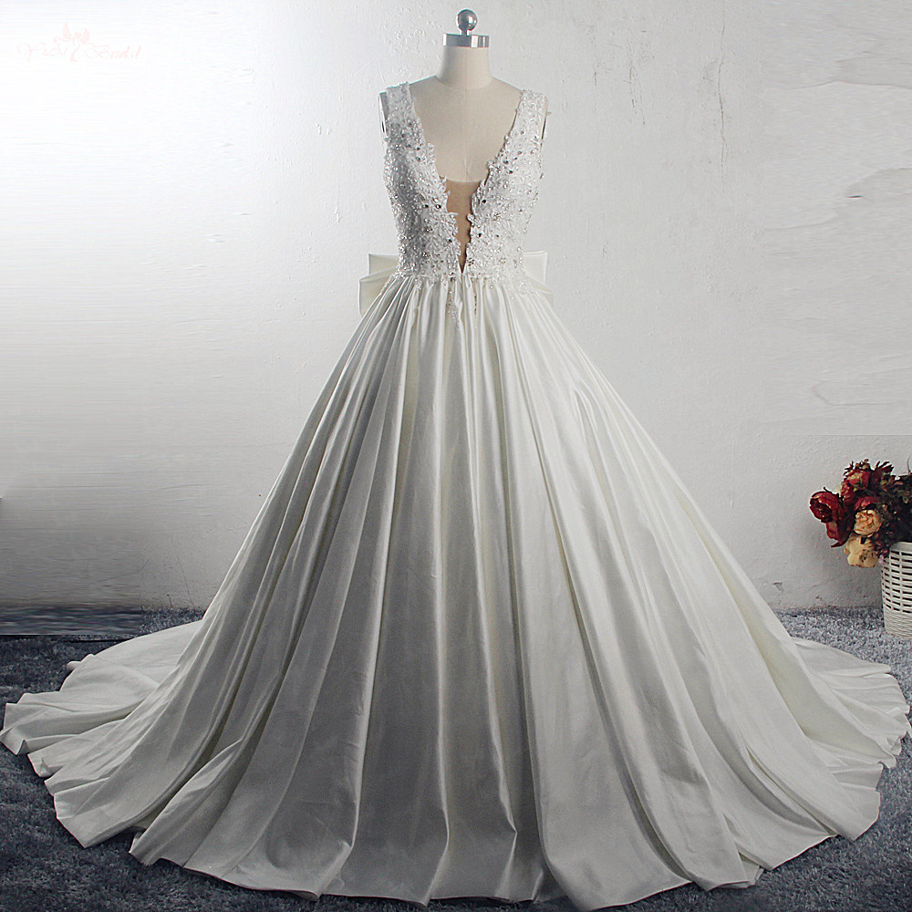 RSW1533 Princess Ball Gown Wedding Dresses 2019 Big Bow Back V Neck Applique Chapel Train Satin Vintage Bridal GownWedding Dresses   -