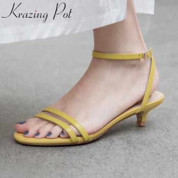 Krazing pot 2020 hot genuine leather peep toe med heels women shoes young lady mature buckle straps fashion summer sandals L19