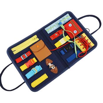 Montessori Busy Toys Board wczesne zabawki edukacyjne grzywny trening motoryczny samopielęgnacja zdolność dzieci gra przedszkole dla dzieci zabawka sensoryczna tanie i dobre opinie MINOCOOL CN (pochodzenie) MATERNITY W wieku 0-6m 7-12y 7-12m 4-6y 13-24m 12 + y 25-36m Chiny certyfikat (3C) Do jazdy CN(Origin)