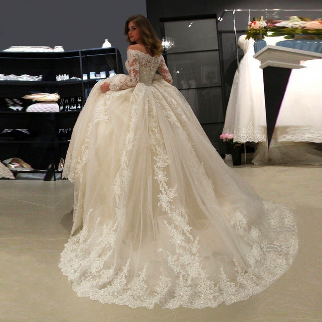 Luxury Ball Gown Lace Applique Wedding Dress 2021 Long Sleeve Wedding Gowns robe de mariee Boat Neck Beaded свадебное платье 6