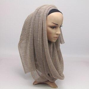 Image 3 - 2020 새 여름 숙 녀 골드 이슬람 Crinkle 주름 반짝이 쉬머 Hijab 스카프 목도리 여성 Pleated 이슬람 아랍 머리 스카프
