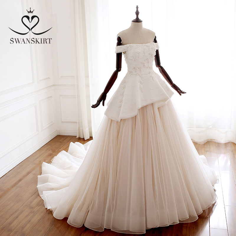 Luxury Appliques Satin Wedding Dress Swanskirt A221 Beaded Ruched Tulle Ball Gown Princess Bridal Gown Vestido De Noiva HY03
