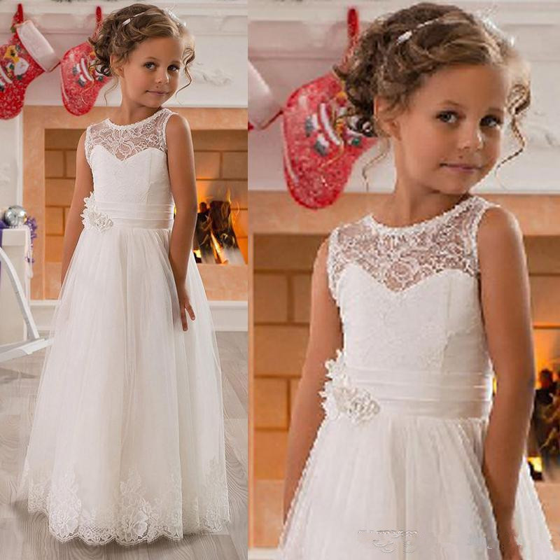 607Lace Flower Girls` Dresses Lovely Jewel Neck Vintage Appliqued Tulle Girls Pageant Gowns with Sash Princess Kids Wedding Party Dress