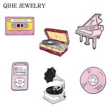 Lettore musicale spilla MP3 CD Piano fonografo nastro magnetico disco in vinile spille in smalto morbido collezione Mucis distintivi spille regali