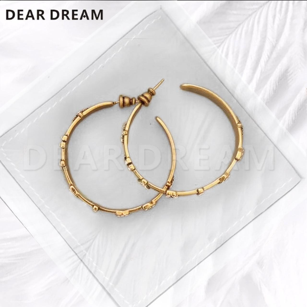 Fashion Girl Classic Stars Letter Hoop Earring Jewerlry for Women Trendy Jewelry wholesale Earings Women Accessories-in Hoop Earrings from Jewelry & Accessories