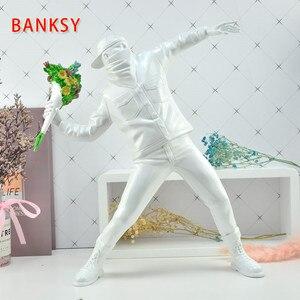 Банкси цветок бомбардировщик смола фигурка Англия уличное искусство Скульптура Статуя бомбардировщик полистоун фигурка коллекционное искусство