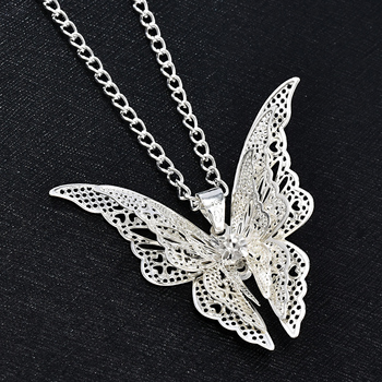 2020 High Quanlity Women Lady Elegant Openwork Butterfly Pendant Long Chain Necklace Sweater Accessories Necklace Jewelry 2