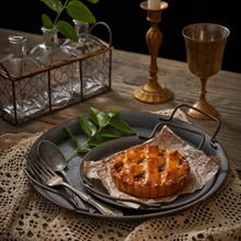 Retro Round Plate European With Handles Handcrafted Wrought Iron Vintage Storage Bread Tray for Home Decoration