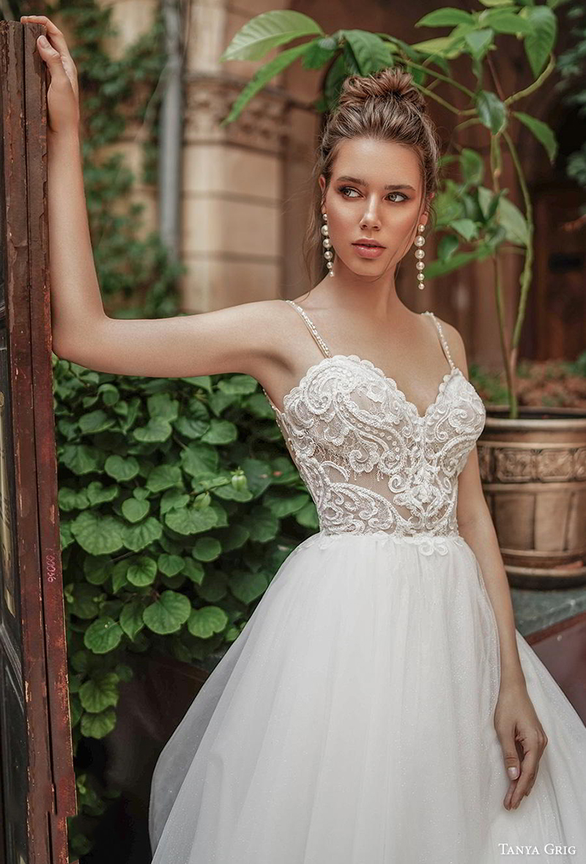 Verngo A line Boho Wedding Dress Lace Appliques Wedding Gowns Elegant Bride Dress V neck Backless Vestidos De Noiva 2020 in Wedding Dresses from Weddings Events