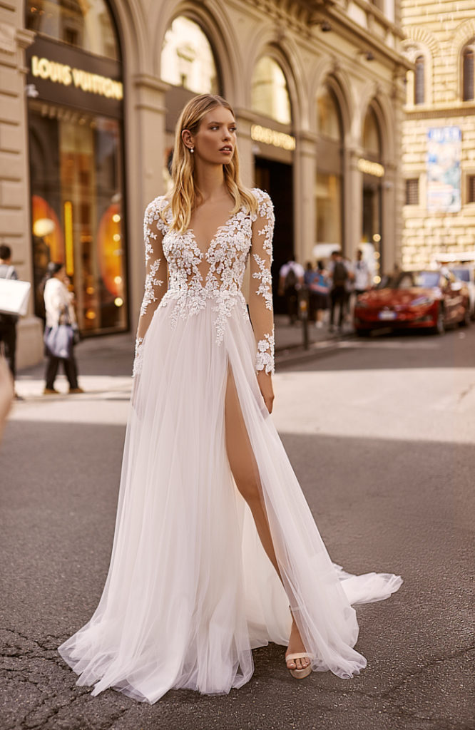 Amazing New White Wedding Dress 2020 Sheer Neck Long Sleeves A-Line Side Slit Appliques Tulle Bride Gowns Robe de mariee Vestido