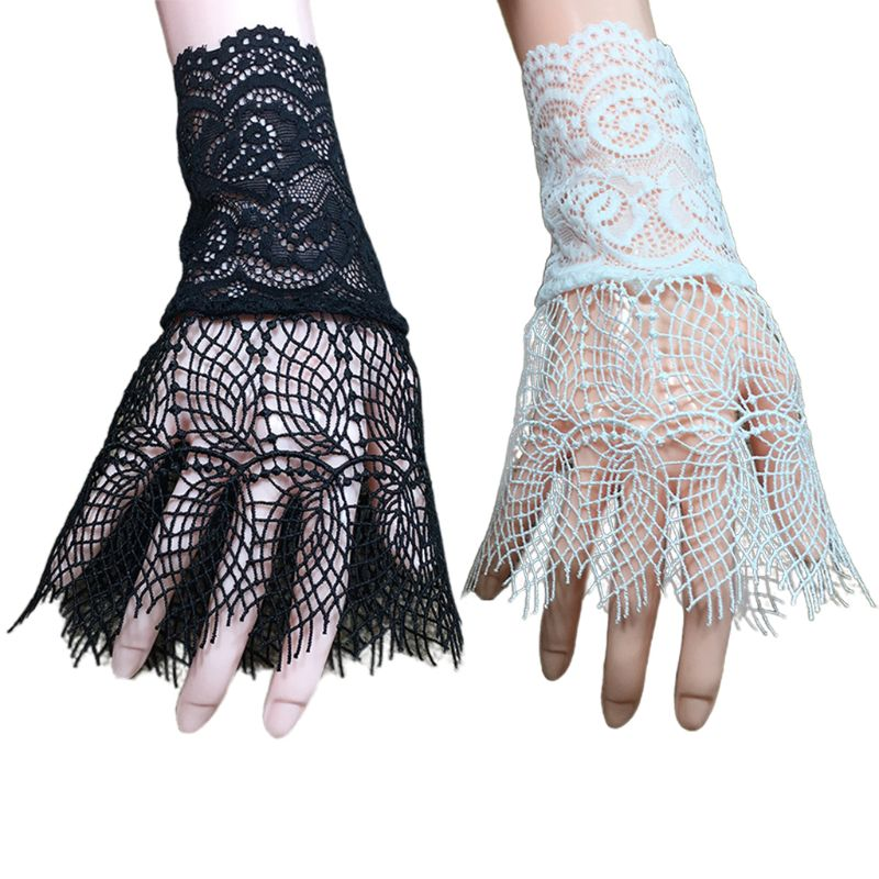 Palace Style Women Hollow Out Floral Lace Horn Cuff Fake Sleeve Sunscreen Gloves