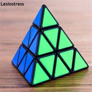 Image 1 - Lesiostress Originele 3X3X3 Piramide Magische Kubus Piramide Cubo Magico Professionele Puzzel Onderwijs Speelgoed Voor Kinderen