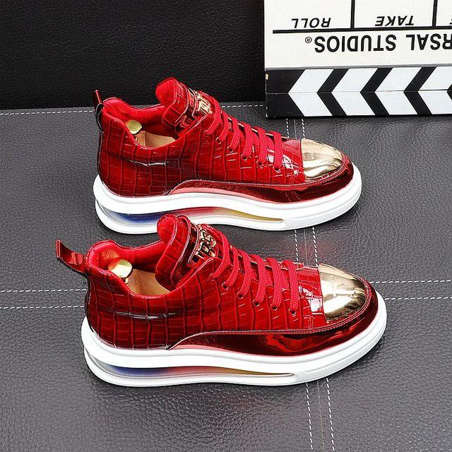Primavera de 2021 nueva marca diseñador de hombres de la placa de Metal de cuero de aire alta Tops zapatos casuales pisos mocasines de Punk Rock zapatillas de deporte 5